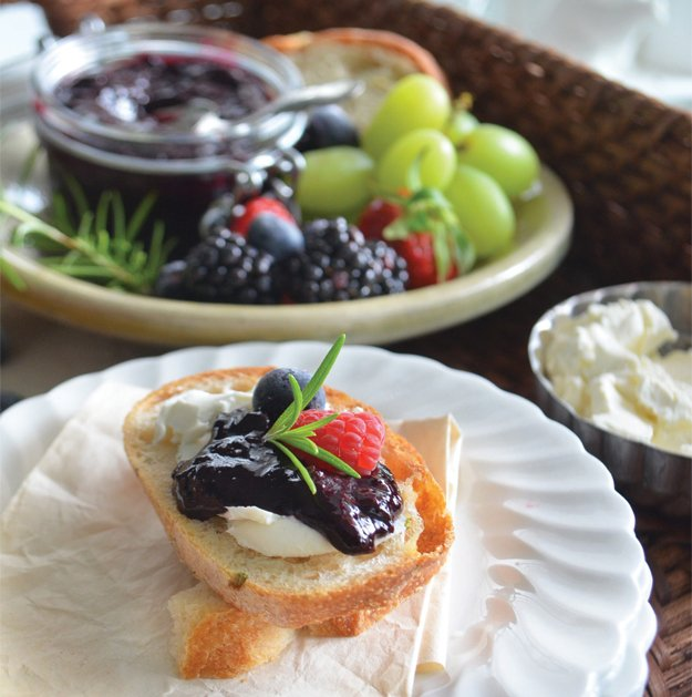 blueberry-chutney-phoebes-pure-food-5-s-style.jpg.jpe
