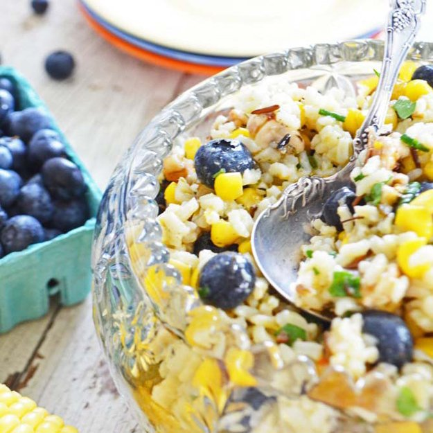 corn-blueberry-salad-phoebes-pure-food-550x550.jpg.jpe