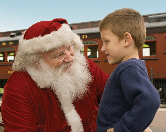imagesevents8220SRR_Santa_Boy_Train_SMALL-jpg.jpe