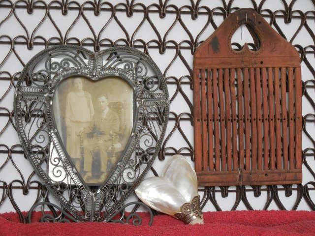 imagesevents9200antiqueheartitemsfromcollectionofMaryBethSloatII-jpg.jpe