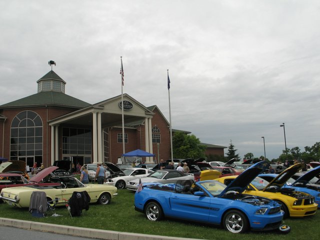 imagesevents10438carshow-jpg.jpe