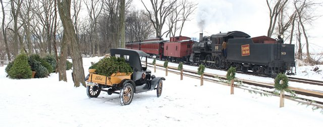 imagesevents1120512-14-13-Tree-Train-7_Rev-featured-jpg.jpe