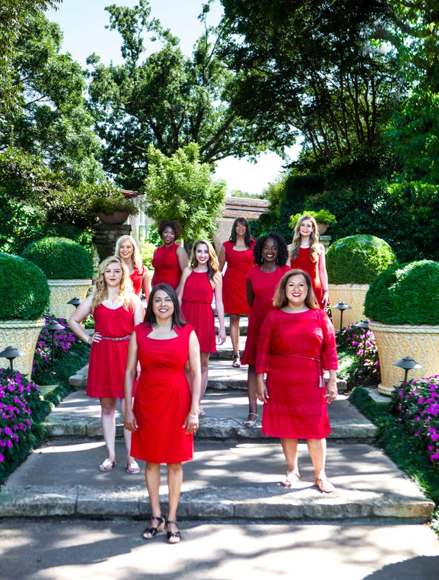 imagesevents11215RedDress-Group-jpg.jpe