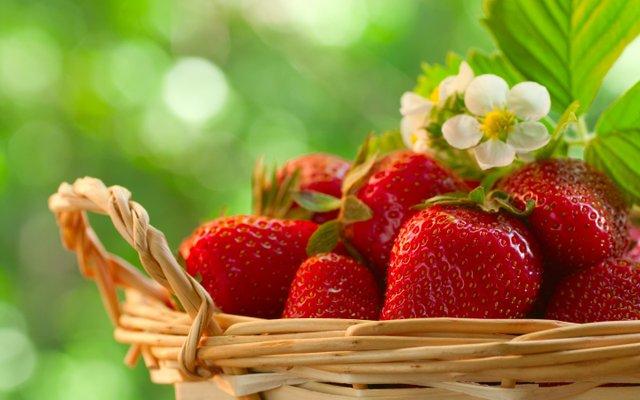 imagesevents11522Strawberries-food-34951688-2880-1800-jpg.jpe