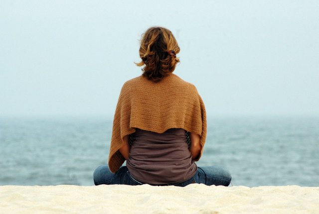 imagesevents11626Woman-Meditating-by-Water-jpg.jpe
