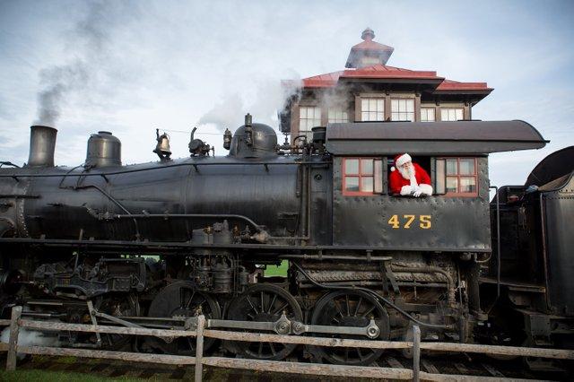 imagesevents11946Santas-Paradise-Express-jpg.jpe