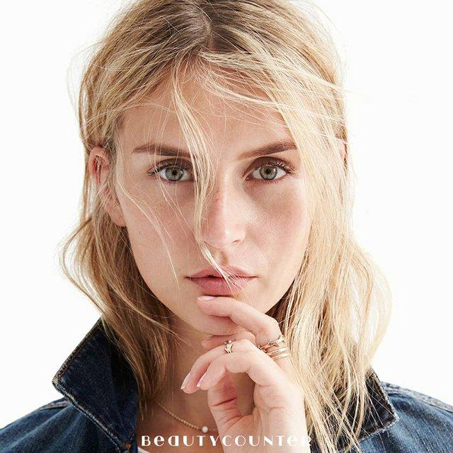 BeautyCountermodel.jpg