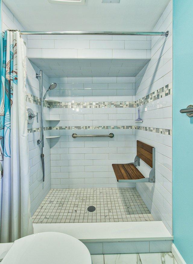 E001A5 - Aluquin bathroom 2017-12.jpg