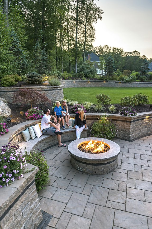 UNILOCK  built in seat and firepit point #4.jpg
