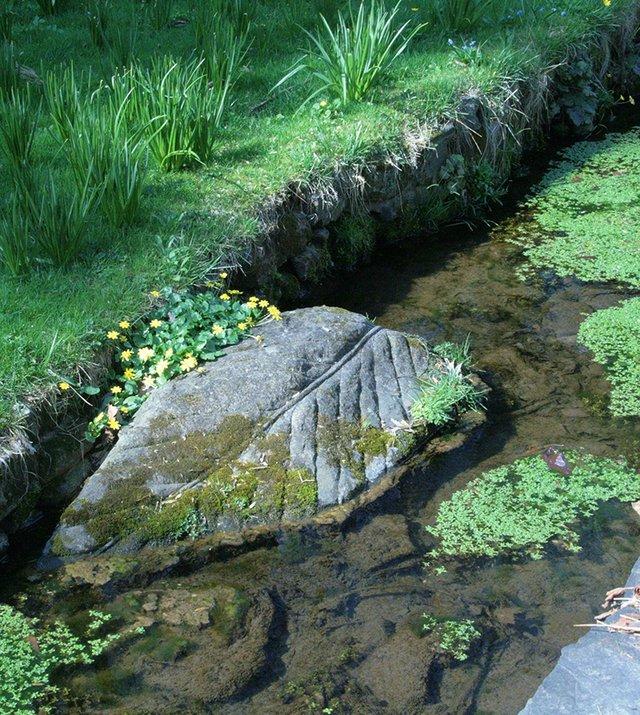 leaf stone.JPG