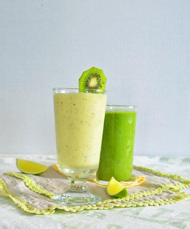pineapple-smoothie-phoebes-pure-food-2-853x1024.jpg