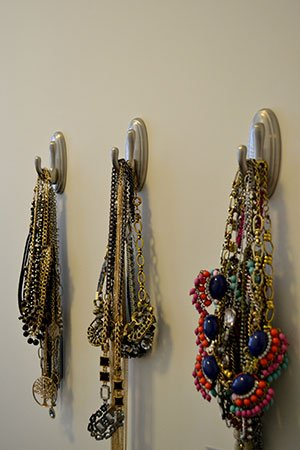 Closet-Necklaces.jpg.jpe