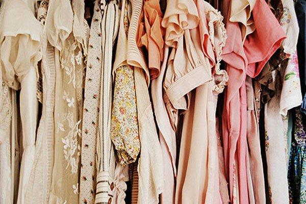 clothes-clothing-clothing-rack-fashion-peach-Favim_com-142211.jpg.jpe